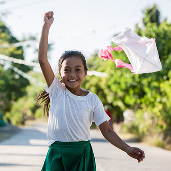 Philippines | Girl with Kite