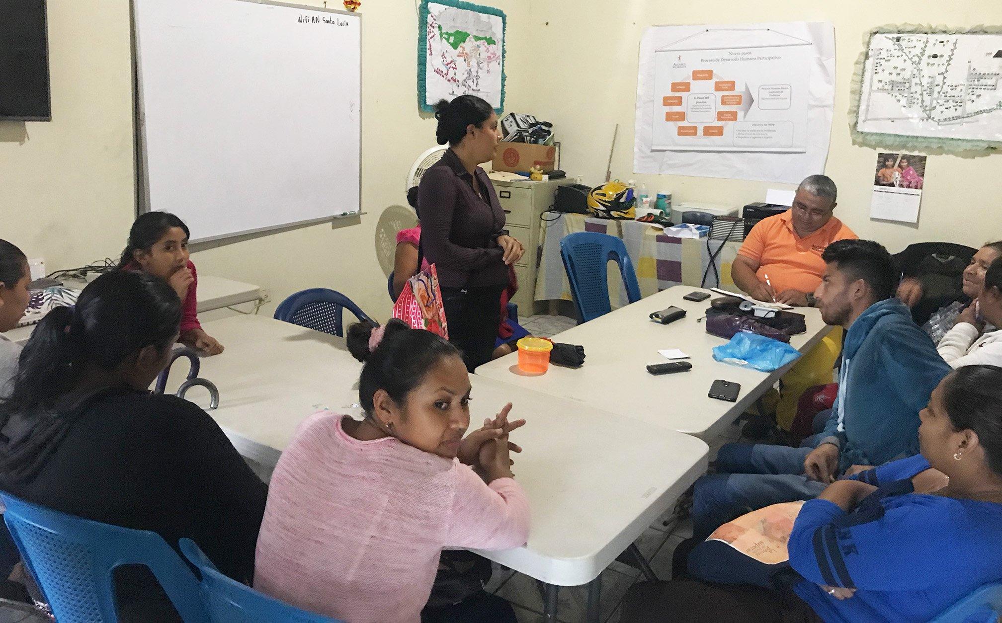A community meeting in La Leona, Nicaragua